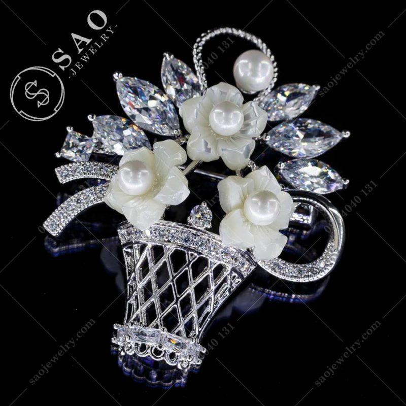 PHỤ KIỆN CÀI ÁO NỮ giỏ hoa pha lê bạc 925 sang trọng