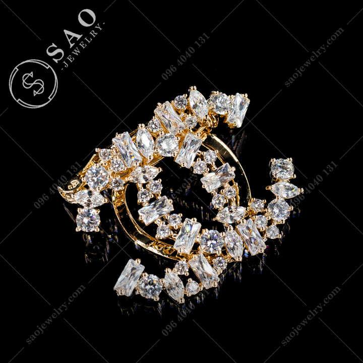 Cài Áo Chanel Đính Pha Lê Cá Cao Cấp CA480V