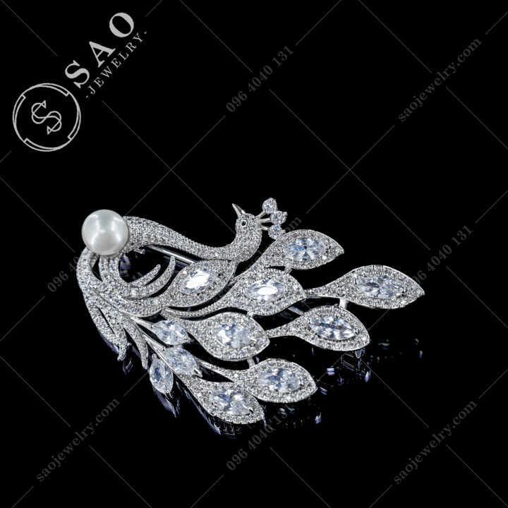 Cài Áo Chim Công Đính Ngọc Ngọc Trai Nước Ngọt Cao Cấp - CA670