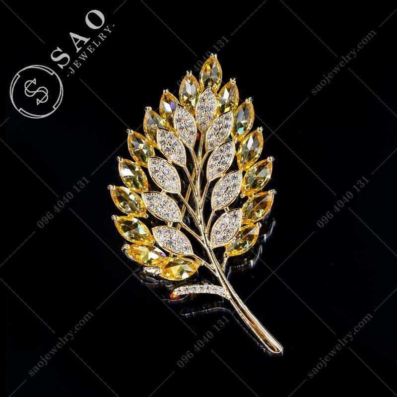 Cài áo hàn quốc lá mạ vàng đính đá cao cấp CA362V