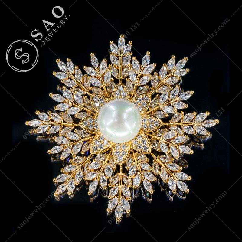 Cài áo mạ vàng bông tuyết đá zircon cao cấp CA302V