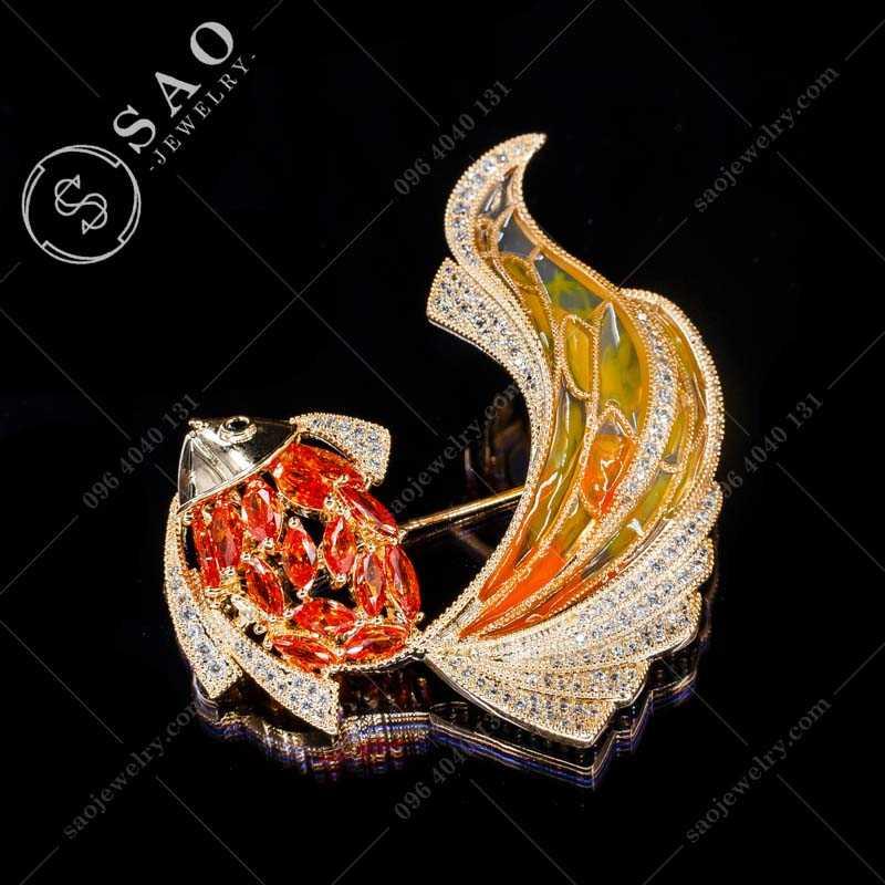Cài áo cá tài lộc đính pha lê đỏ cao cấp CA346D